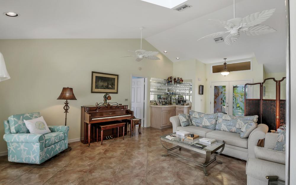 1184 Whiteheart Ct, Marco Island - Home For Sale 2036898988