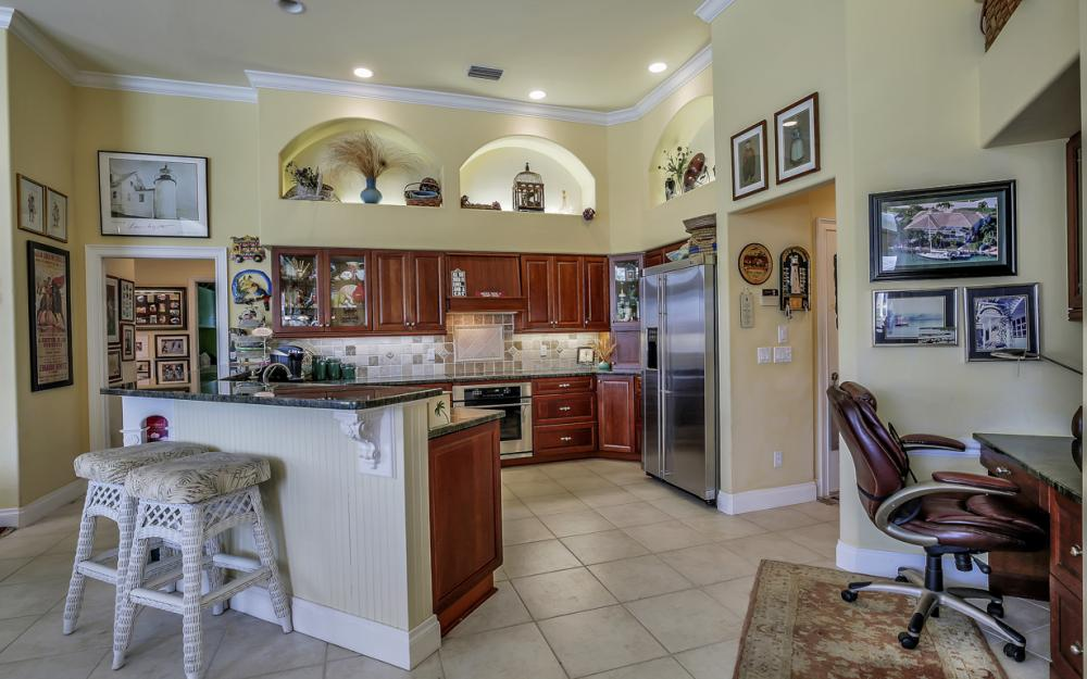 761 Plantation Ct, Marco Island - Home For Sale 363887097