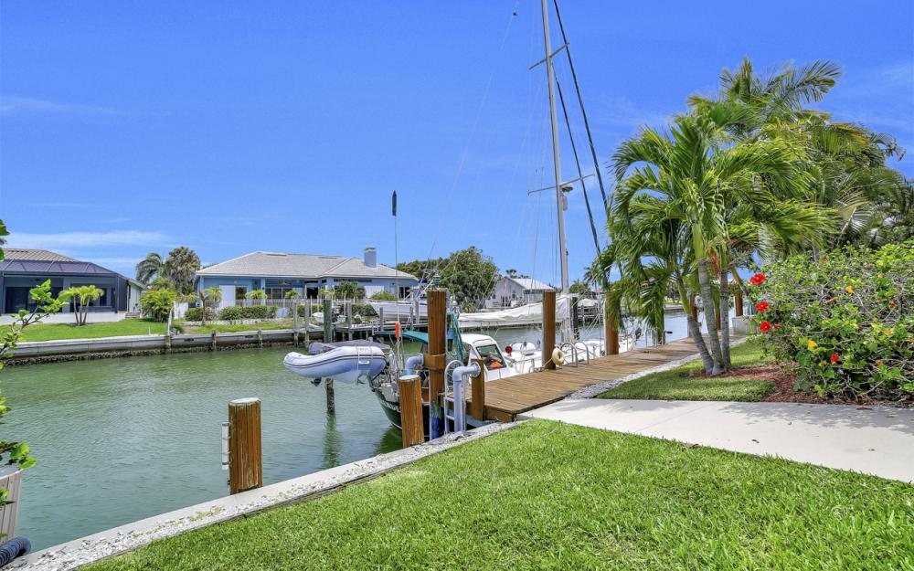 761 Plantation Ct, Marco Island - Home For Sale 304223086