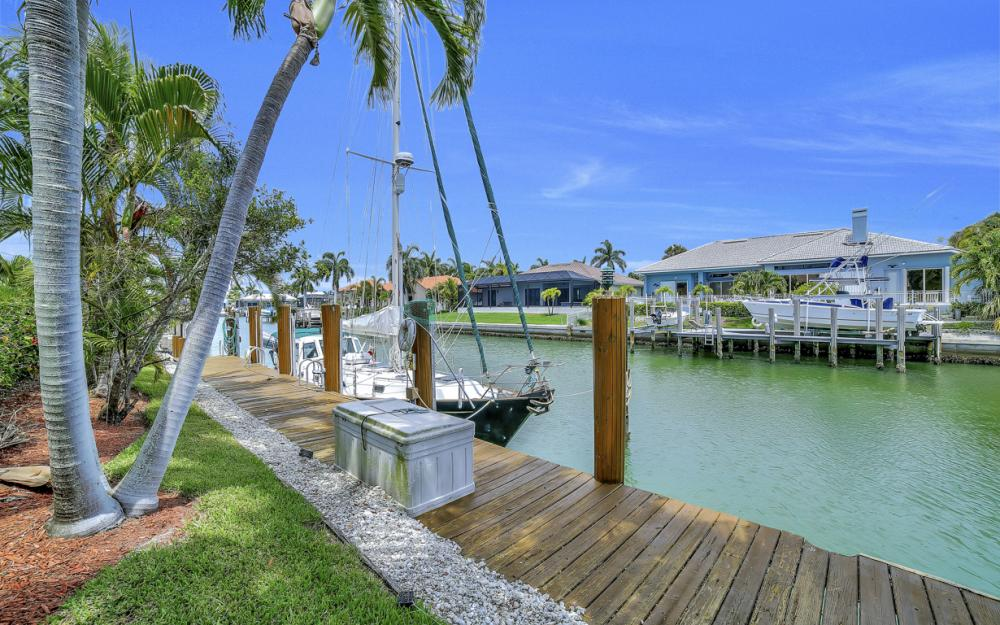 761 Plantation Ct, Marco Island - Home For Sale 46150179