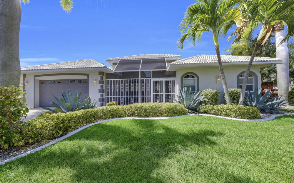 2303 SW 52nd St, Cape Coral - Home For Sale 765931635