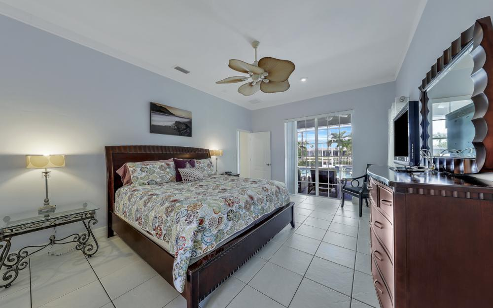 2303 SW 52nd St, Cape Coral - Home For Sale 473842872