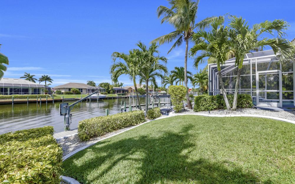 2303 SW 52nd St, Cape Coral - Home For Sale 421554704