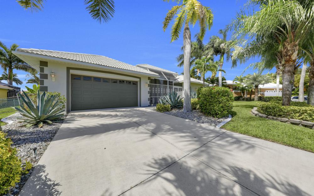 2303 SW 52nd St, Cape Coral - Home For Sale 228232472