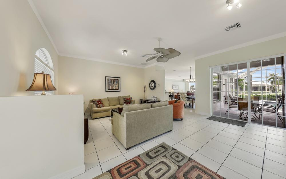 2303 SW 52nd St, Cape Coral - Home For Sale 349252870