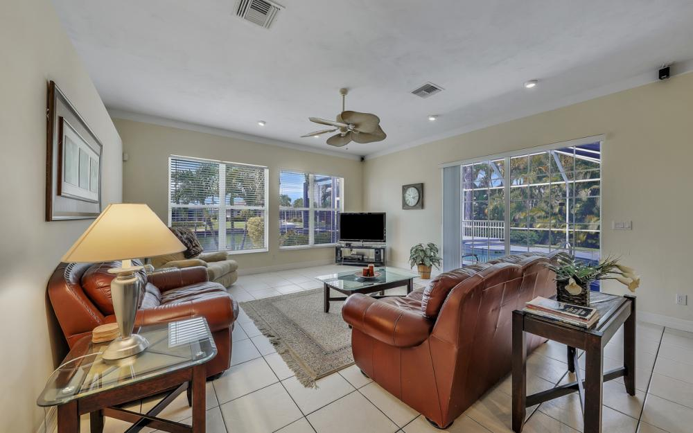 2303 SW 52nd St, Cape Coral - Home For Sale 1877695621
