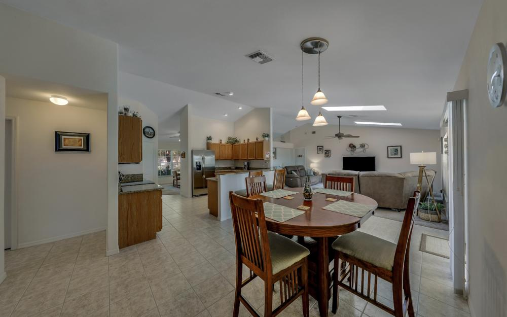 4921 SW 17th Ave, Cape Coral - Home For Sale 1693244607