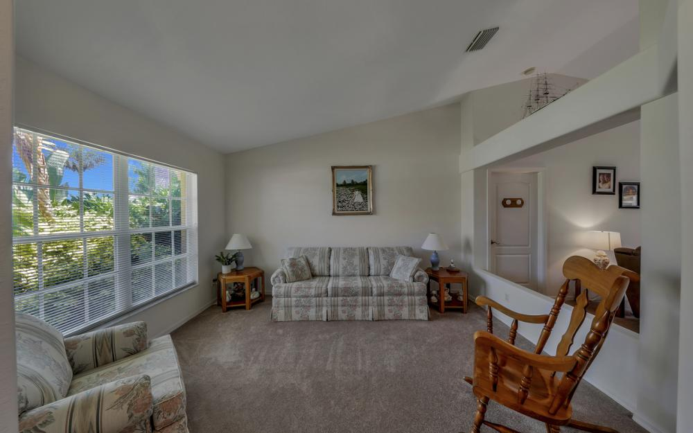 4921 SW 17th Ave, Cape Coral - Home For Sale 446521592