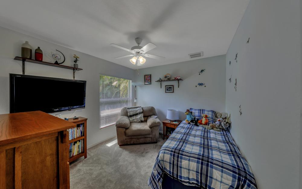 4921 SW 17th Ave, Cape Coral - Home For Sale 951210938