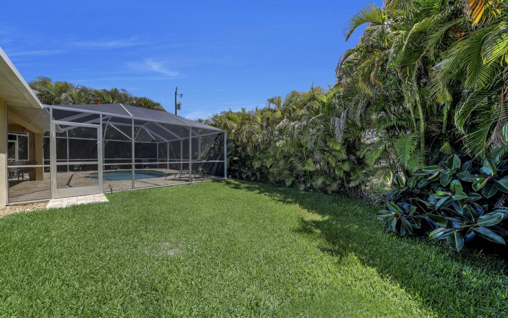 4921 SW 17th Ave, Cape Coral - Home For Sale 707902584