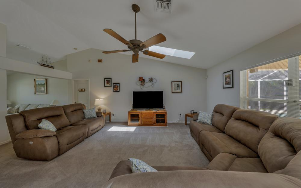 4921 SW 17th Ave, Cape Coral - Home For Sale 1916574492