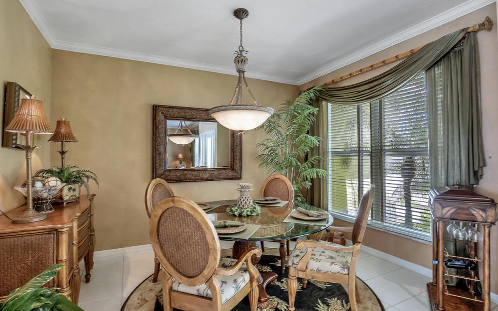 1110 Twin Oak Ct, Marco Island - Home For Sale 376644899