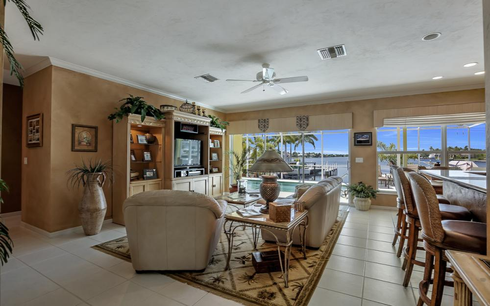 1110 Twin Oak Ct, Marco Island - Home For Sale 606546469