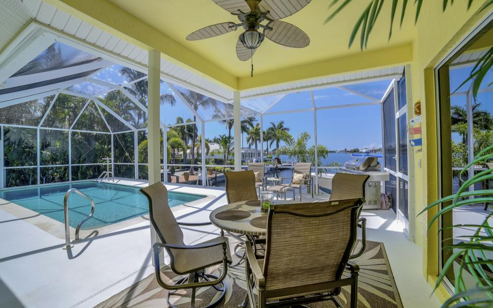 1110 Twin Oak Ct, Marco Island - Home For Sale 1272782461