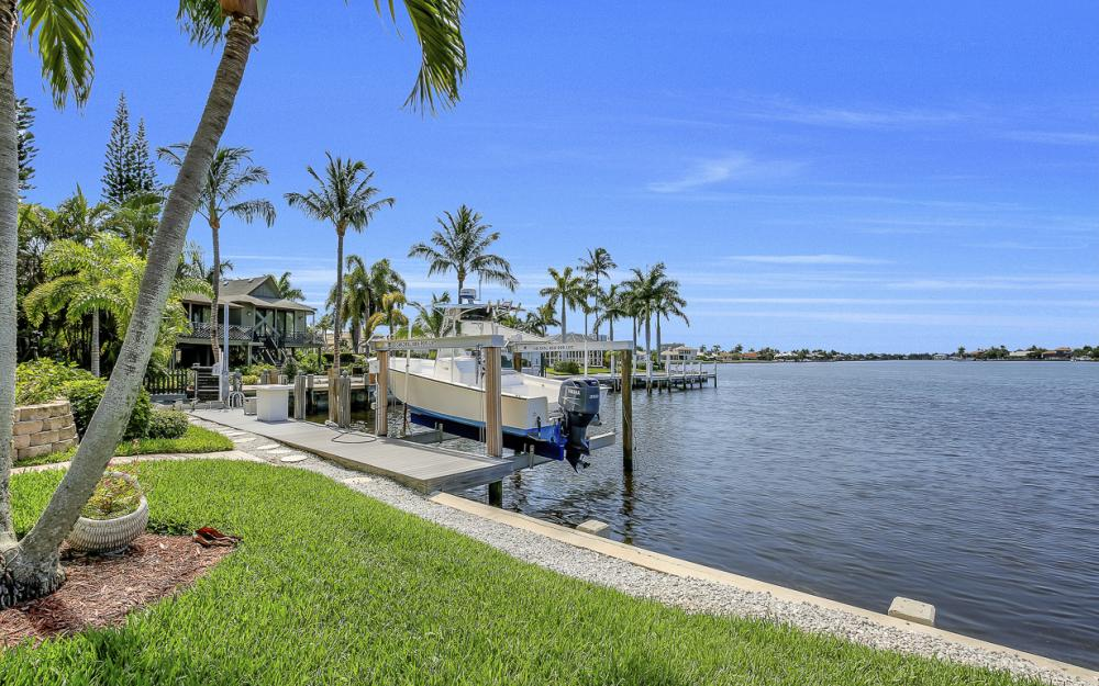 1110 Twin Oak Ct, Marco Island - Home For Sale 84430585