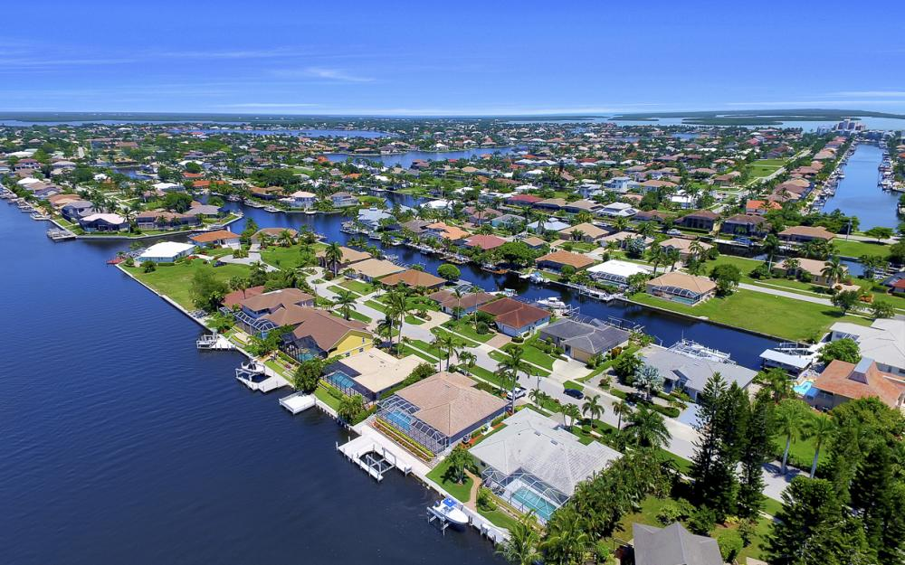 1110 Twin Oak Ct, Marco Island - Home For Sale 403881981