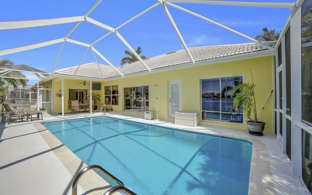 1110 Twin Oak Ct, Marco Island - Home For Sale 1041355764