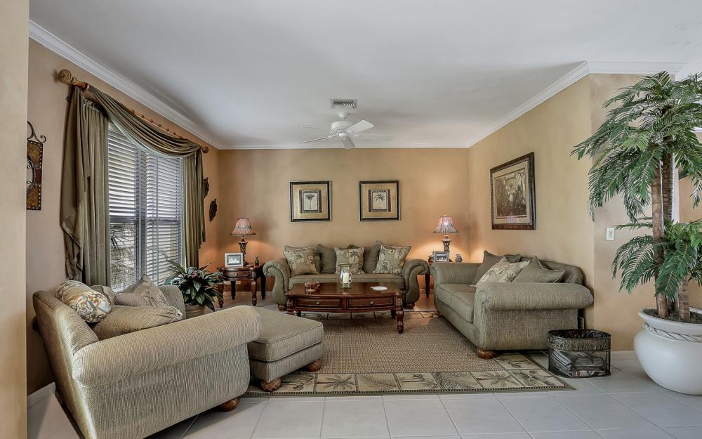 1110 Twin Oak Ct, Marco Island - Home For Sale 779800457