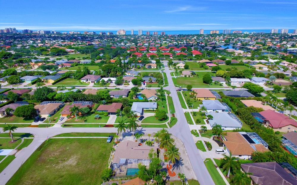 211 Kirkwood St, Marco Island - Home For Sale 376506990