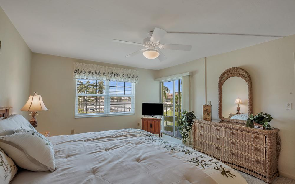 1011 Swallow Ave #207, Marco Island - Condo For Sale 463247240