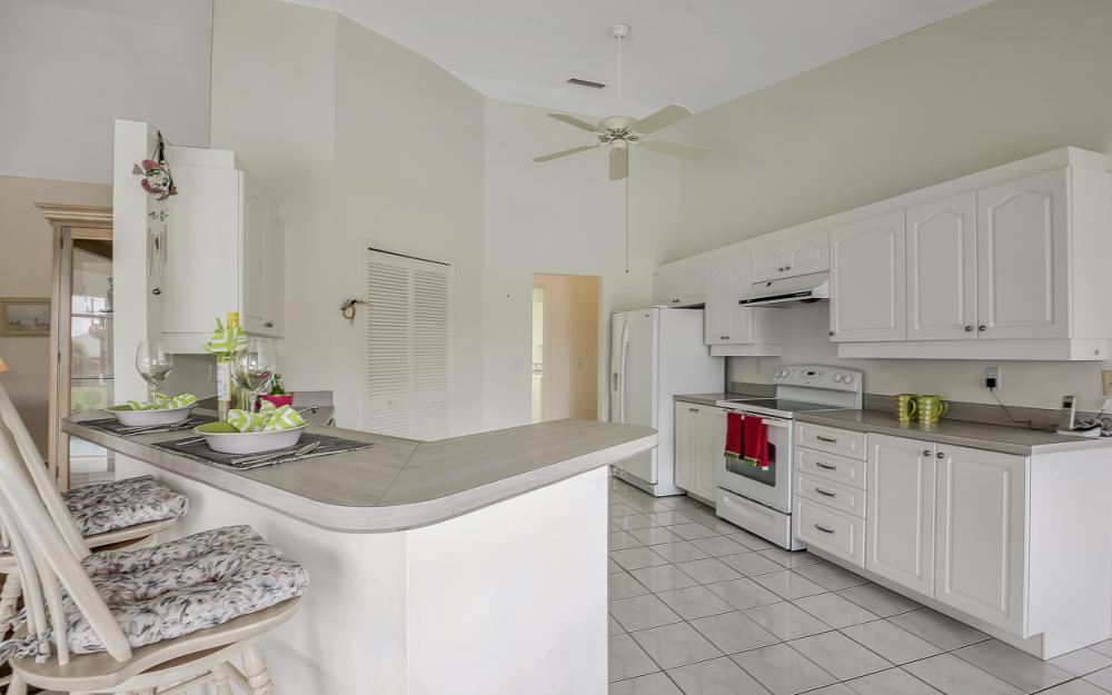 209 SW 45th Ter, Cape Coral - Gulf Access Home For Sale 1180386940