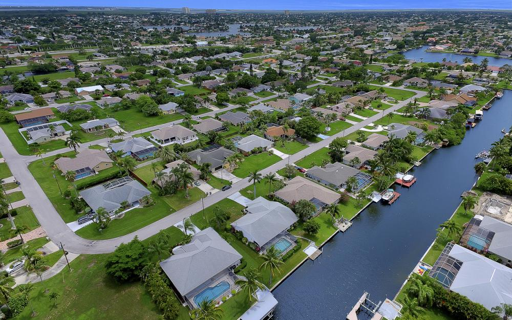 209 SW 45th Ter, Cape Coral - Gulf Access Home For Sale 599240937
