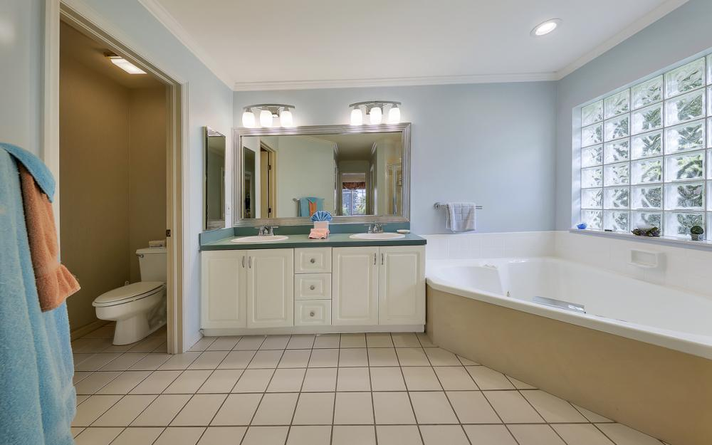 28471 Del Lago Way, Bonita Springs - Home For Sale 395912051