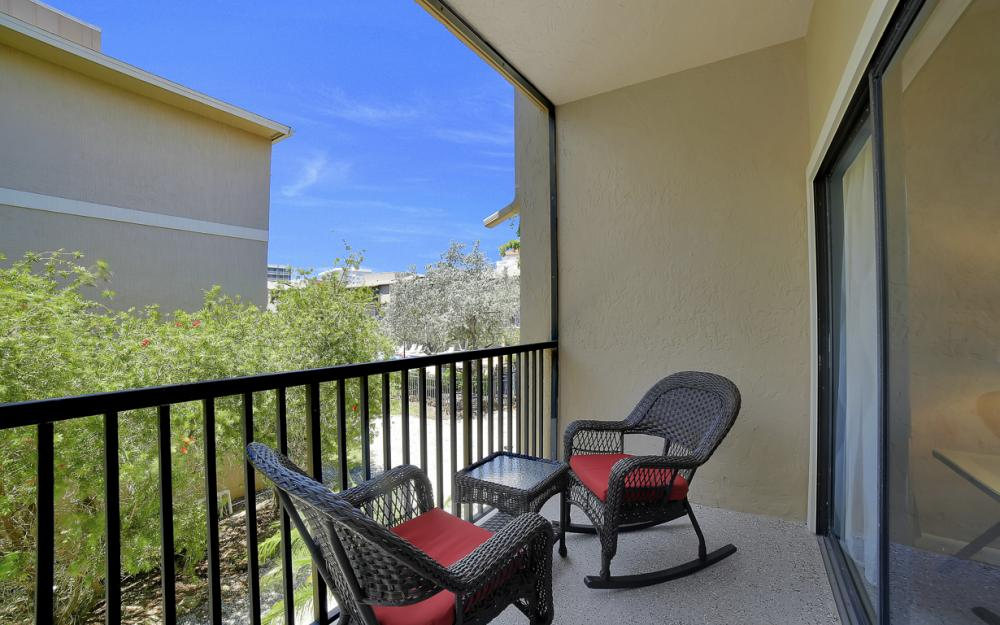 1130 Swallow Ave, Marco Island - Home For Sale 762844197