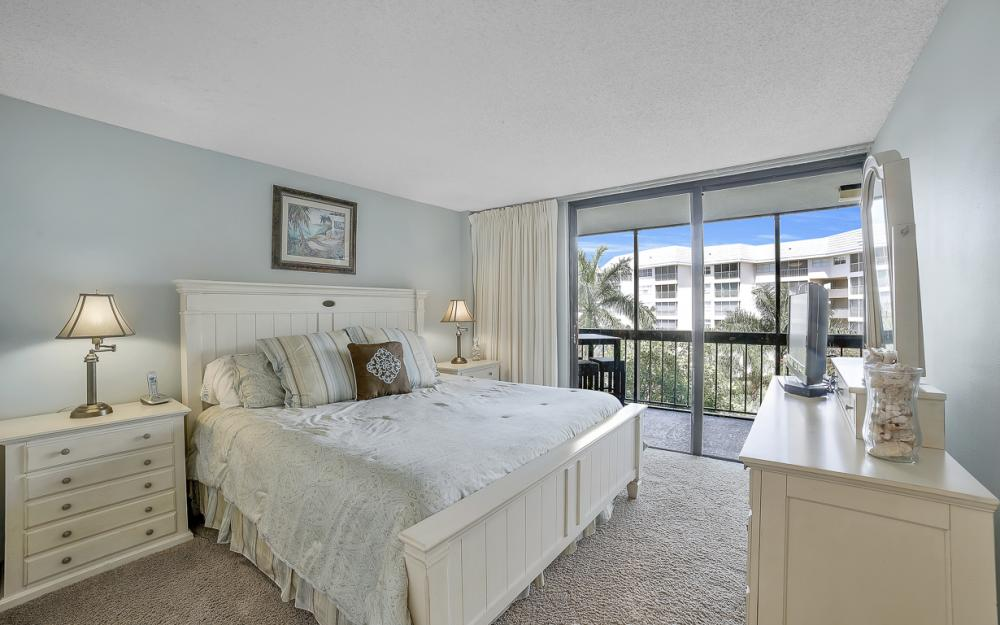 693 Seaview Ct #A-409, Marco Island - Condo For Sale 1078034613