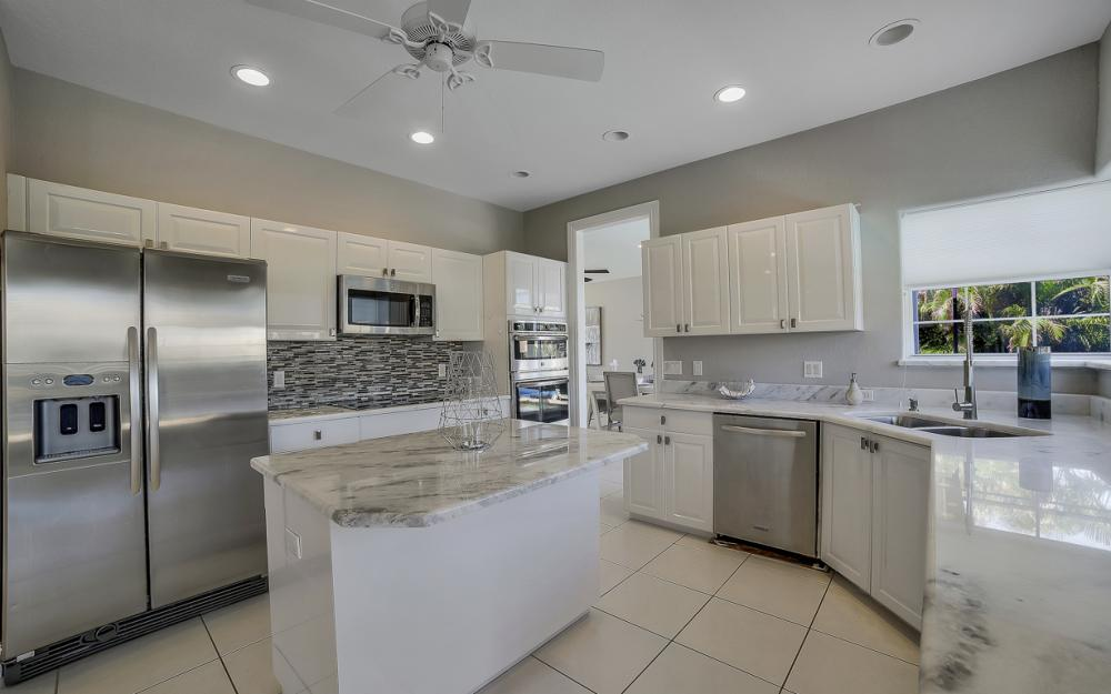 736 Plantation Ct, Marco Island - Home For Sale 1120196304