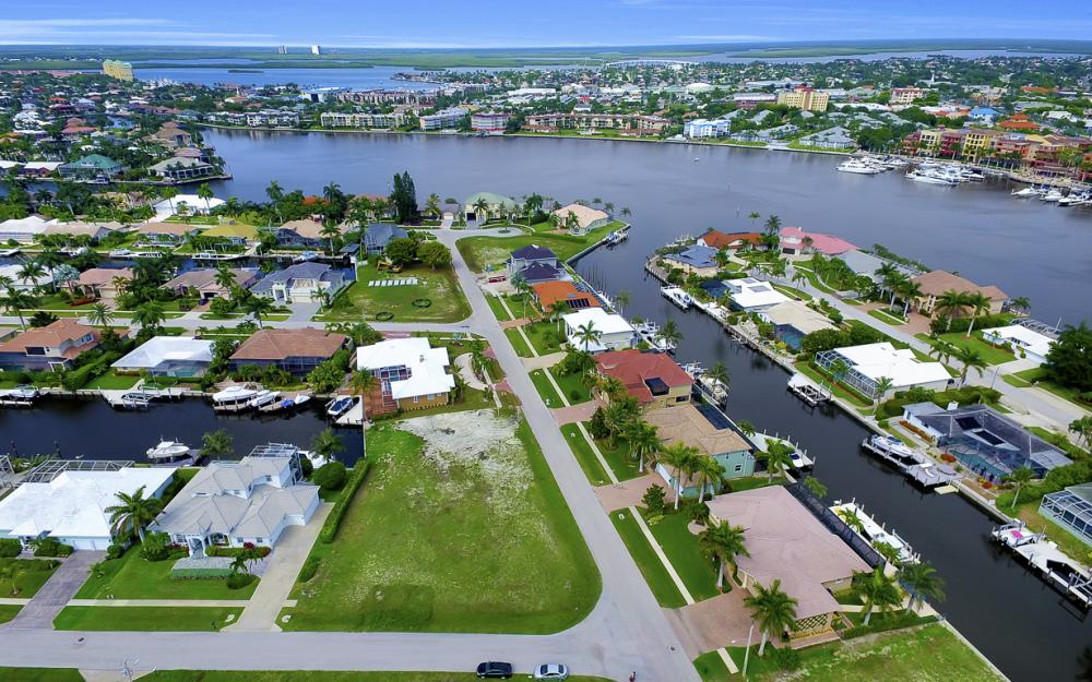 698 Cameo Ct, Marco Island - Lot For Sale 903668492