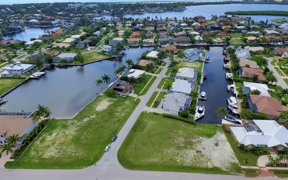 698 Cameo Ct, Marco Island - Lot For Sale 978743278