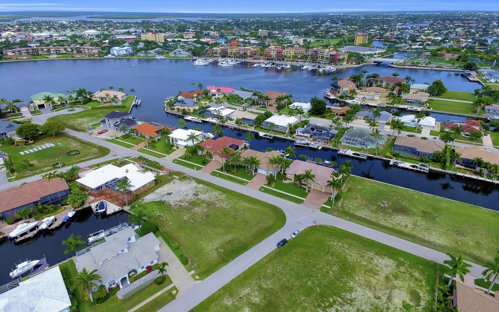 698 Cameo Ct, Marco Island - Lot For Sale 273130349