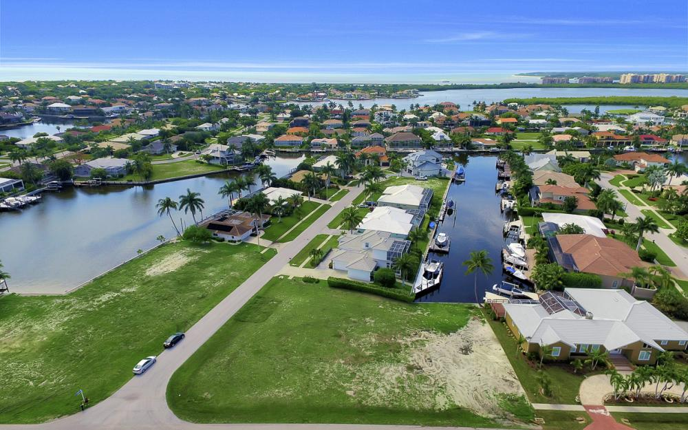 698 Cameo Ct, Marco Island - Lot For Sale 282560877