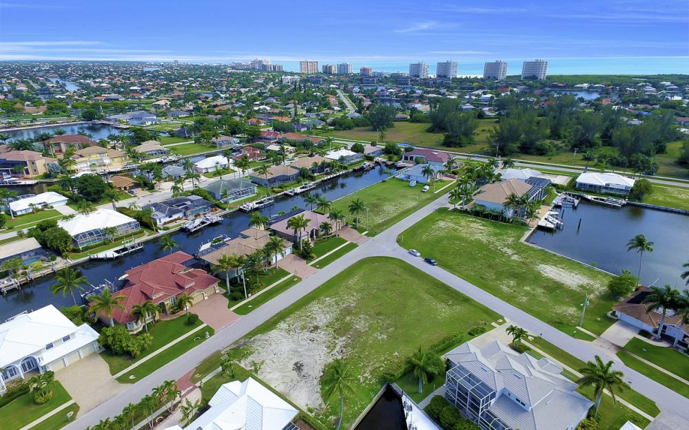 698 Cameo Ct, Marco Island - Lot For Sale 45596118