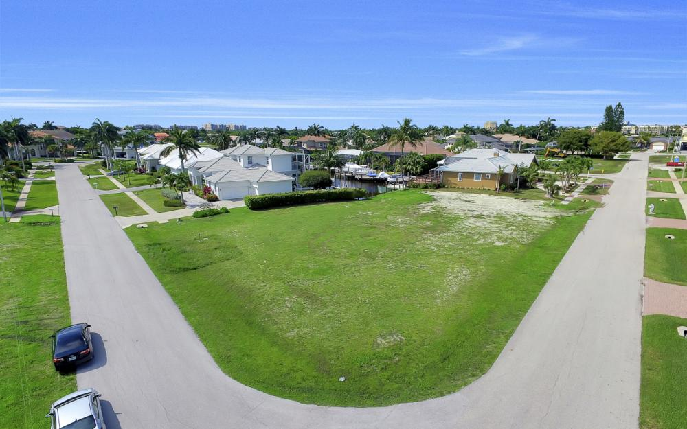 698 Cameo Ct, Marco Island - Lot For Sale 647859096