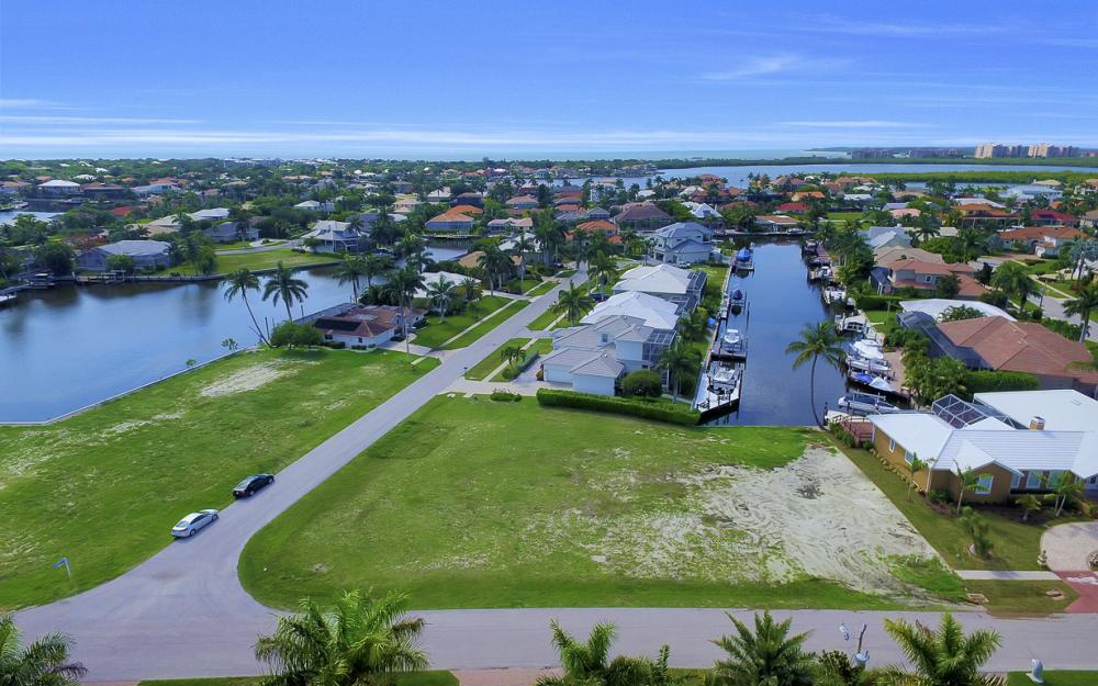 698 Cameo Ct, Marco Island - Lot For Sale 768587790