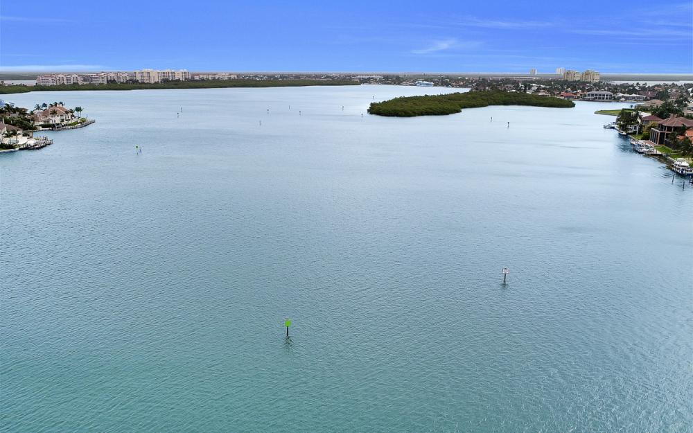 705 Austin Ct, Marco Island - Home For Sale 701865444