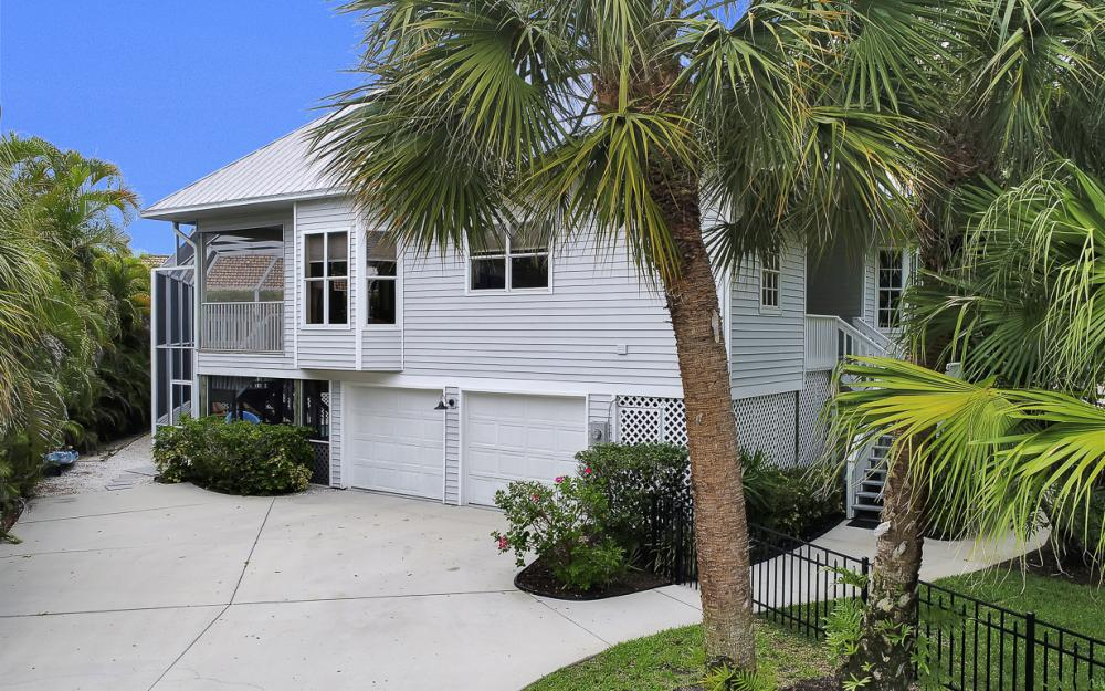 705 Austin Ct, Marco Island - Home For Sale 2008321129