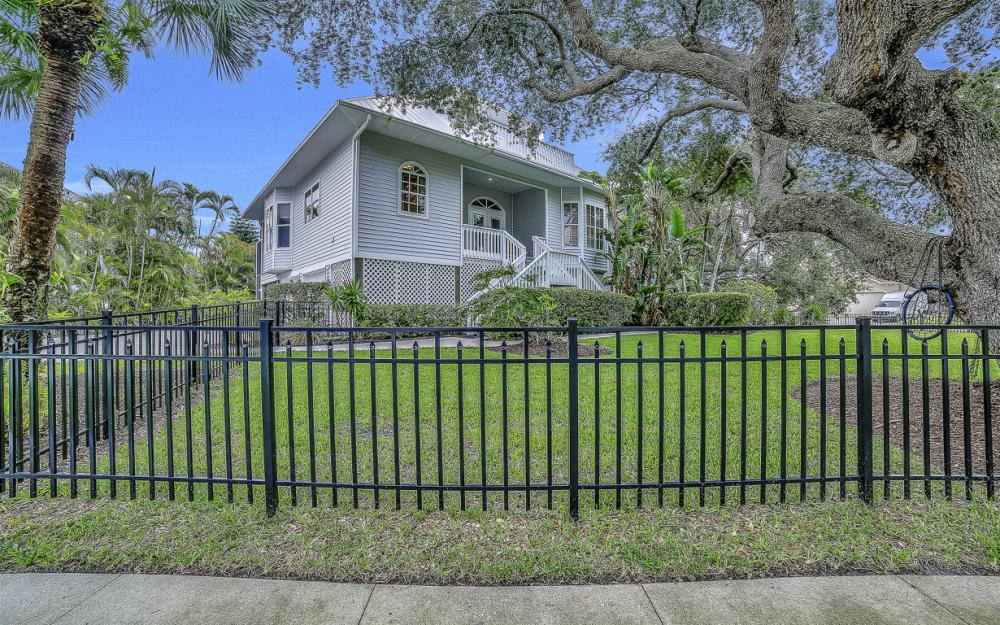 705 Austin Ct, Marco Island - Home For Sale 2109934925