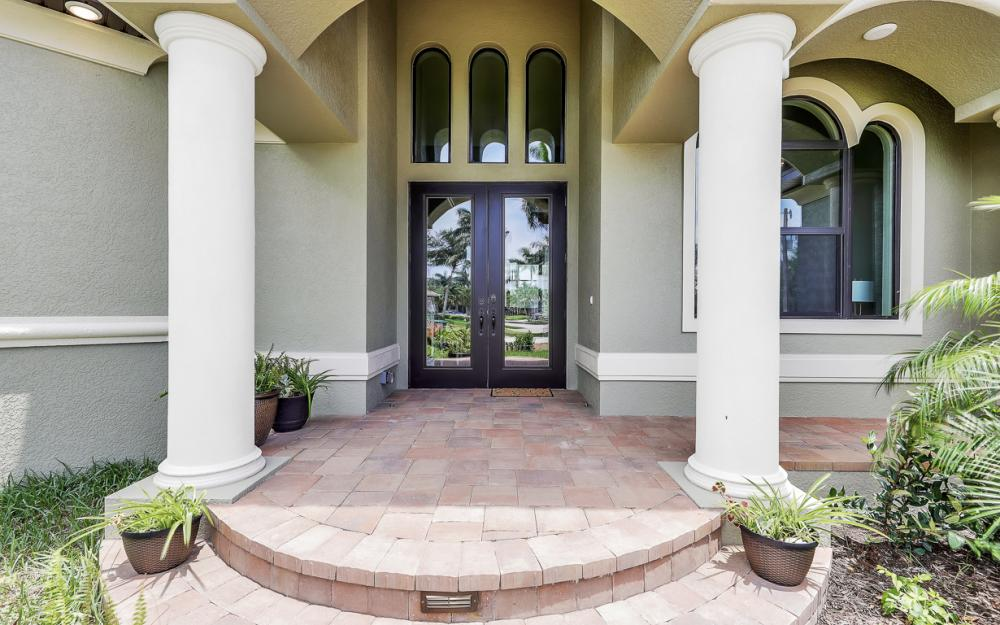 616 Somerset Ct, Marco Island - Home For Sale 2000212806