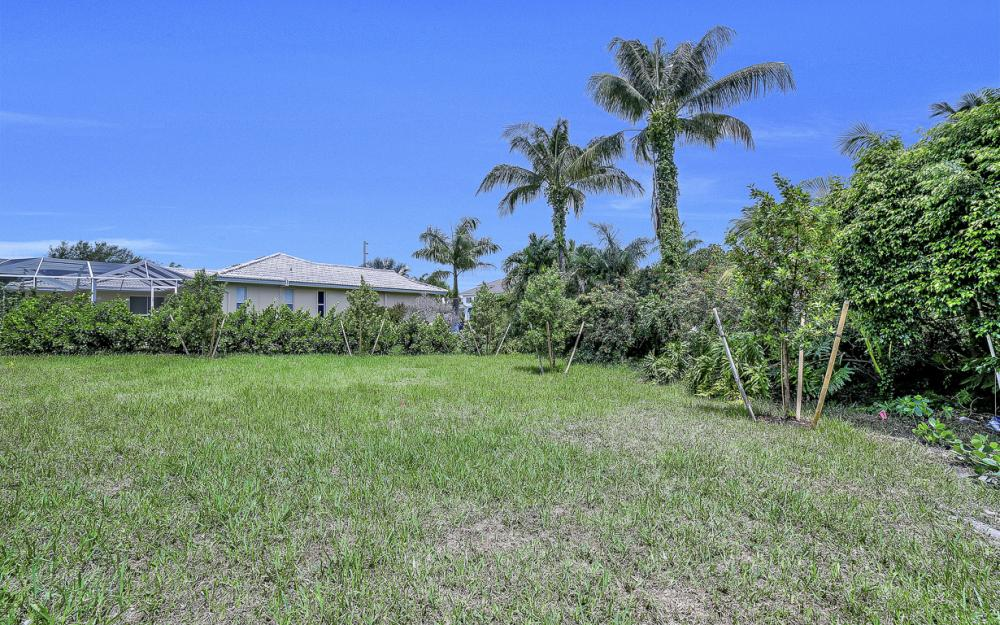 616 Somerset Ct, Marco Island - Home For Sale 1759964874