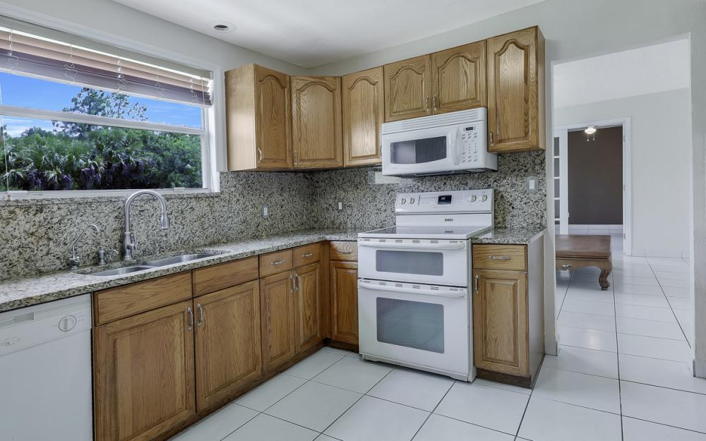 331 17th St NW, Naples - Home For Sale 1942504473