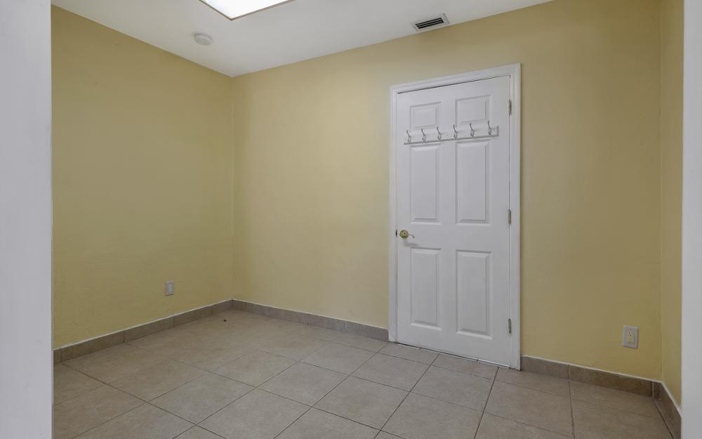 331 17th St NW, Naples - Home For Sale 1838931932