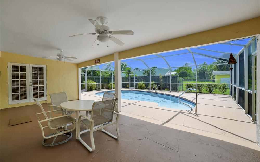 331 17th St NW, Naples - Home For Sale 242986294
