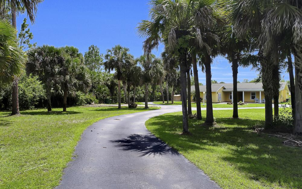 331 17th St NW, Naples - Home For Sale 2042030055