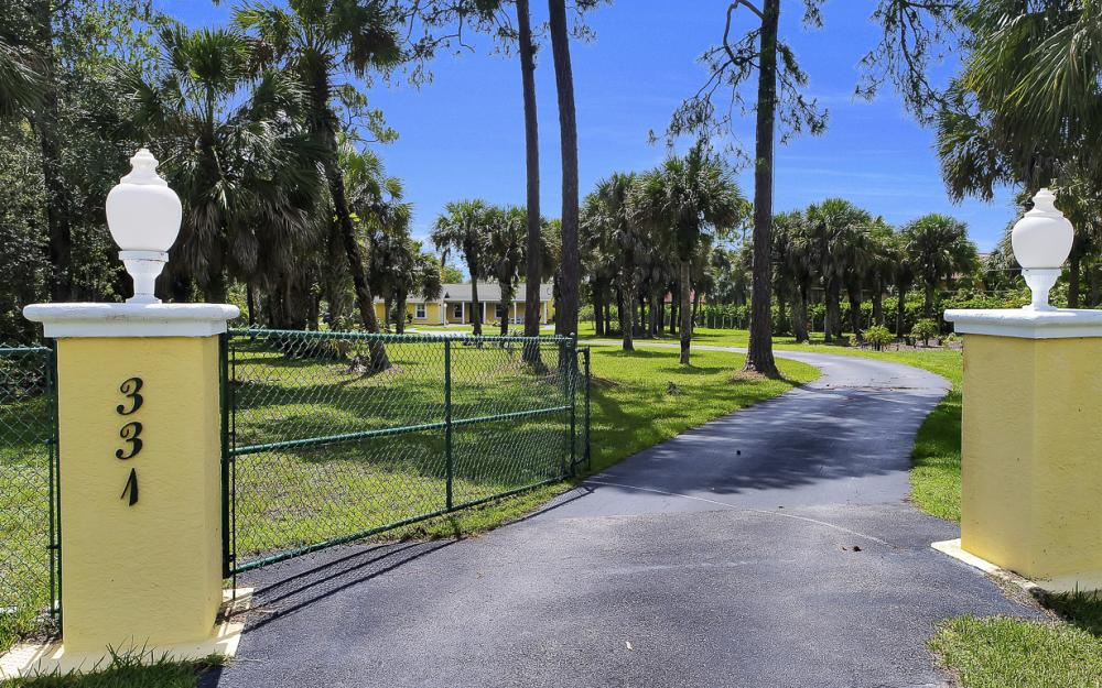 331 17th St NW, Naples - Home For Sale 182023737