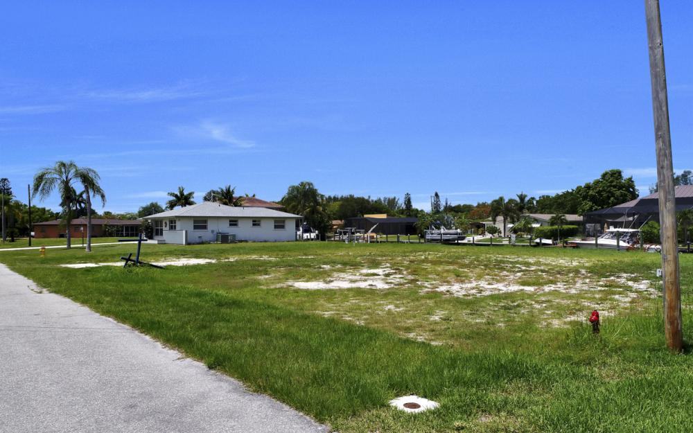 5820 SW 1st Ave, Cape Coral - Lot For Sale 2111450116