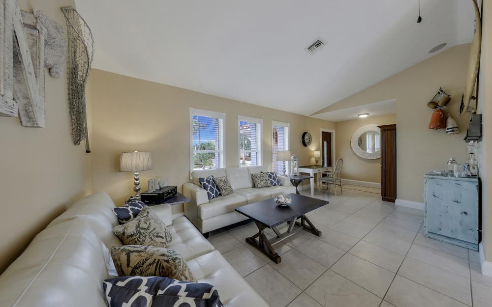 970 Ironwood Ct, Marco Island - Home For Sale 784760391