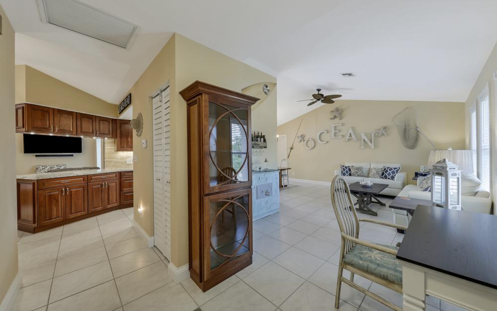 970 Ironwood Ct, Marco Island - Home For Sale 1971760010